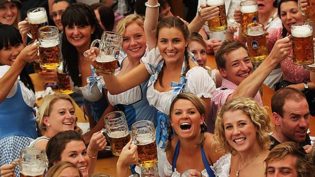 friends-cheers-oktoberfest-steins