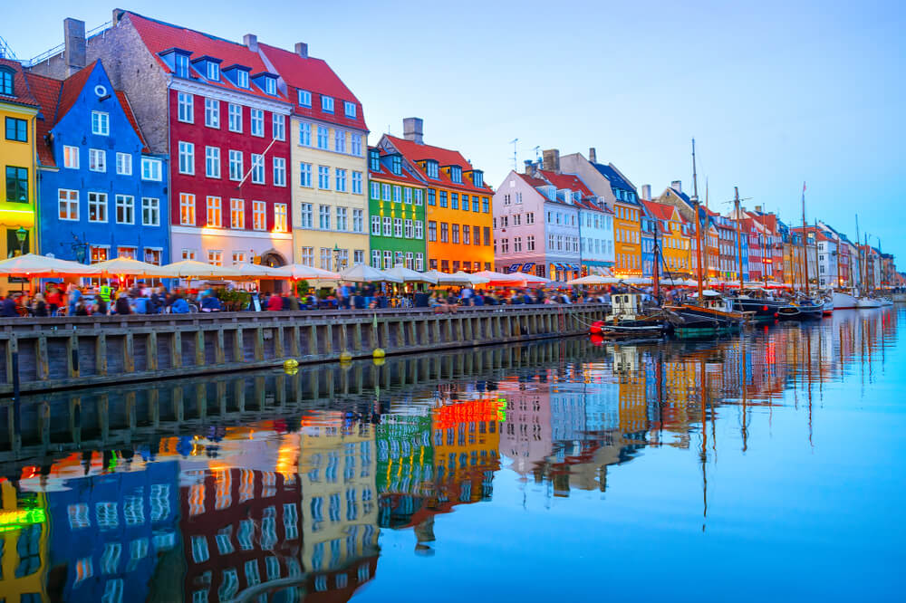 how to move to denmark