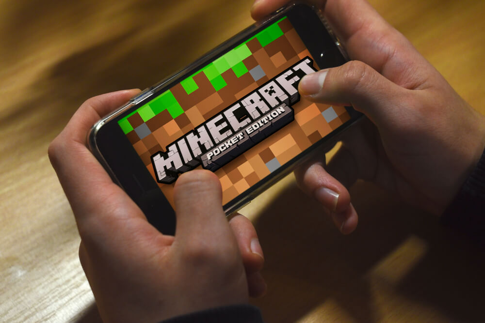 Raw Minecraft's Little Brother: Minecraft Dungeons Review