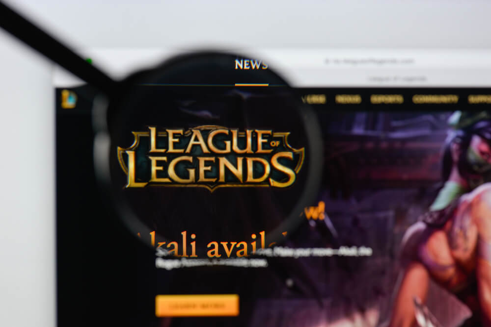 Sponsor Banners Into League Of Legends Game